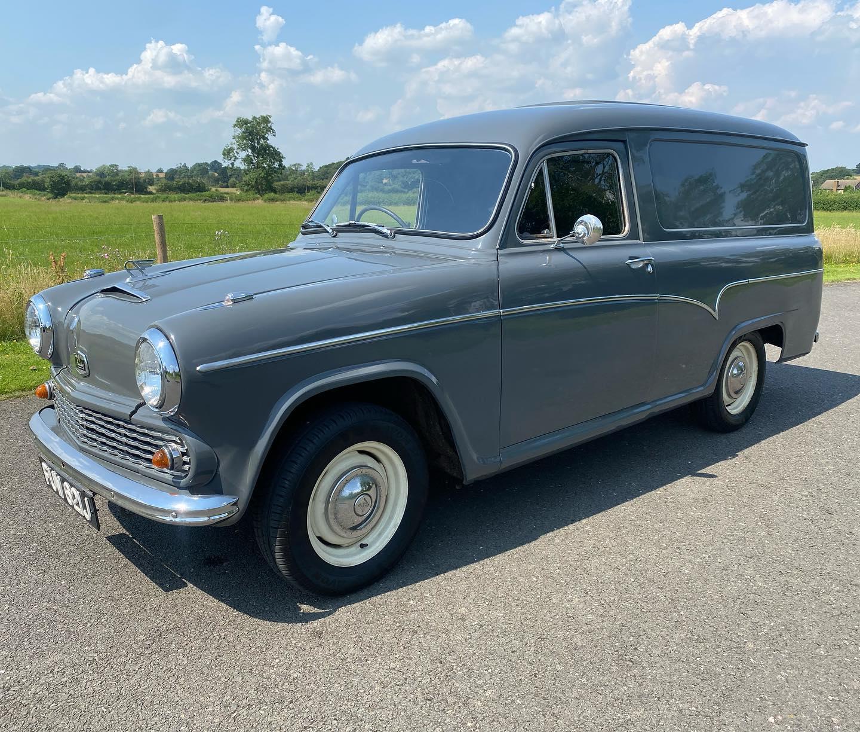 Austin-Cambridge-A60-Half-ton-van-1971-(3)