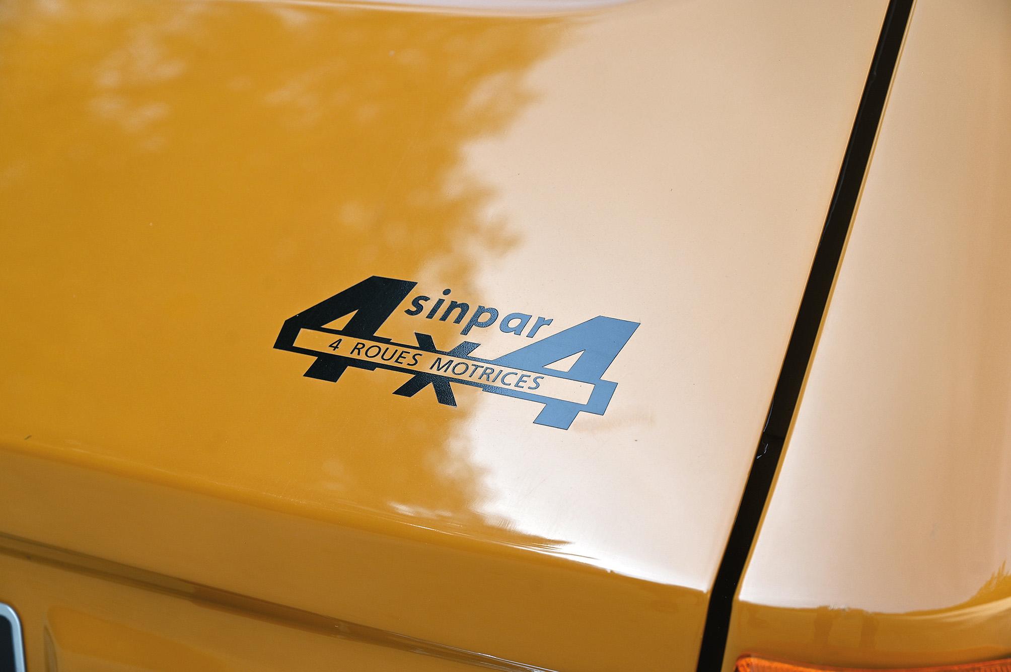 Renault-6-TL-4x4-Sinpar--(1)