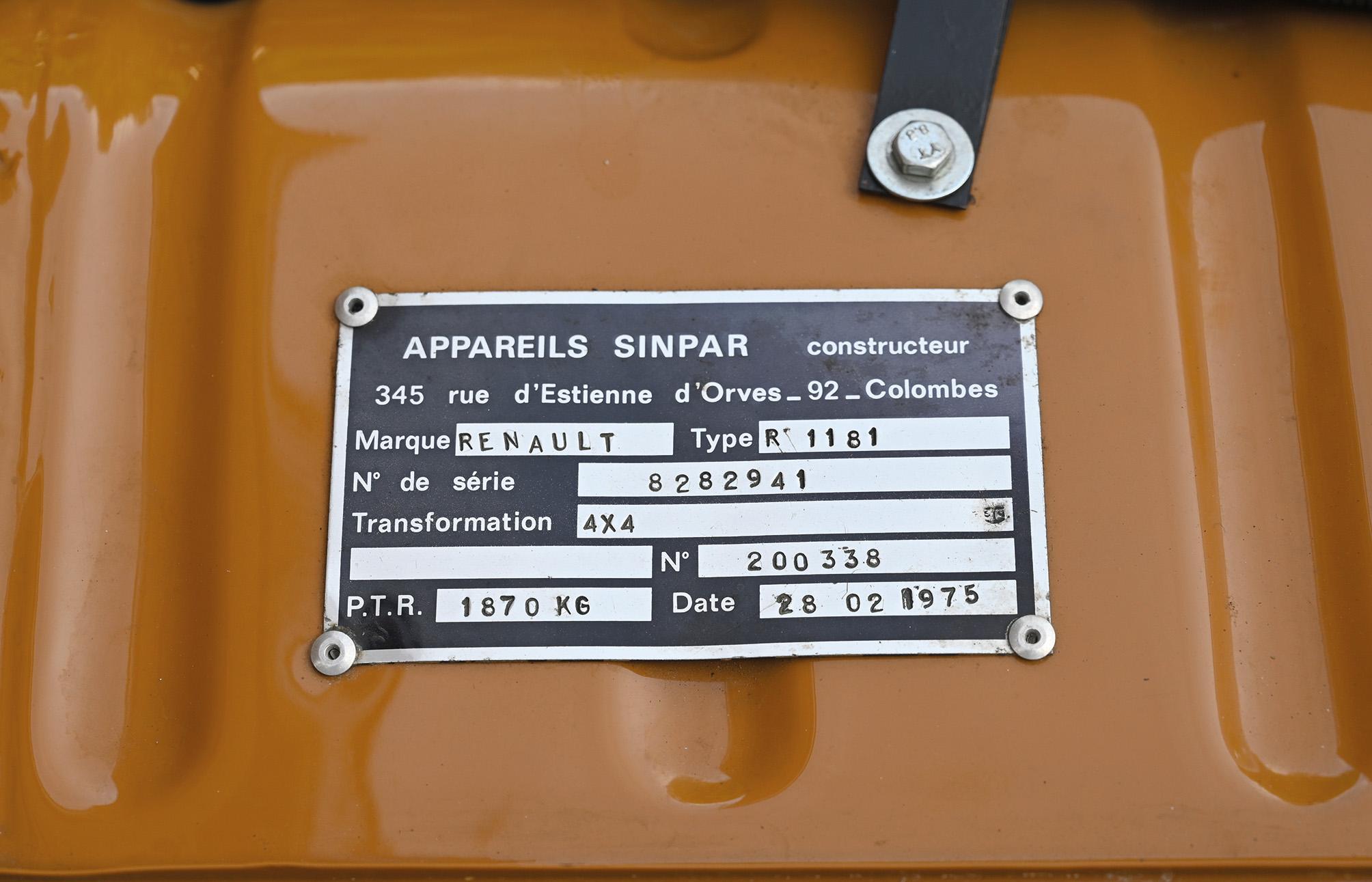 Renault-6-TL-4x4-Sinpar--(2)