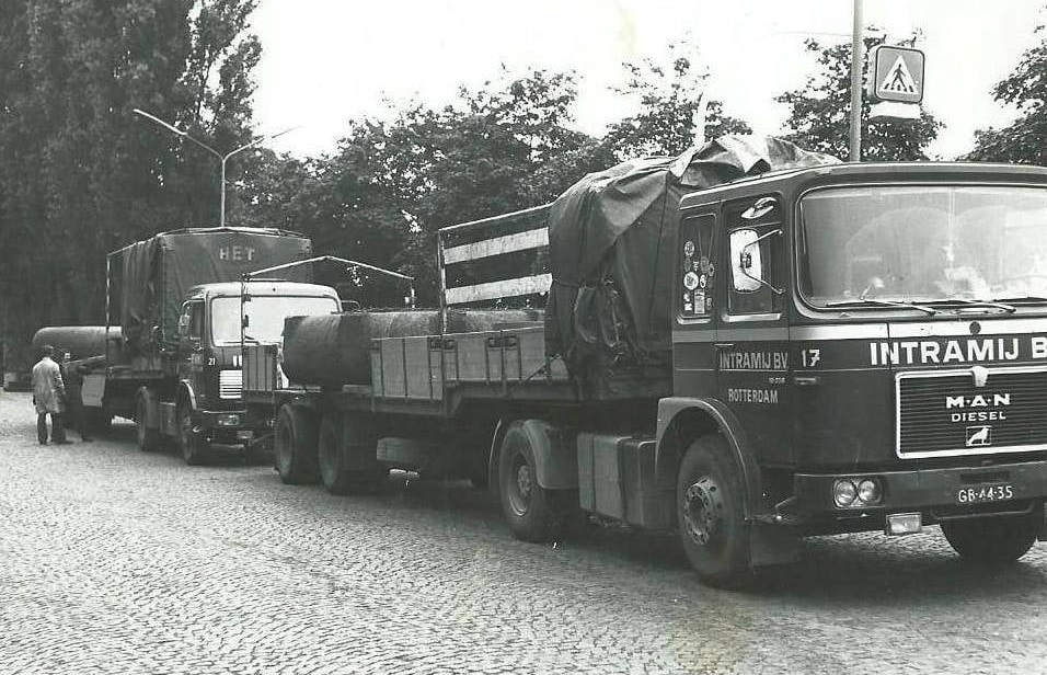 Pomphuizen-geladen-in-Siegen-Weidenau-vppr-IHC-Kinderdijk-met-Koos-Verklei-R-I-P-Arie-de-Geus