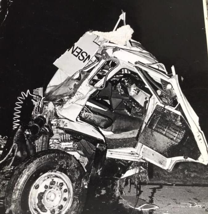 Dat-was-er-over-van-de-Daf-en-de-trailer-na-het-ongeluk-bij-Delft-om-12-u-snachtsToon-Vd-Woude-(3)