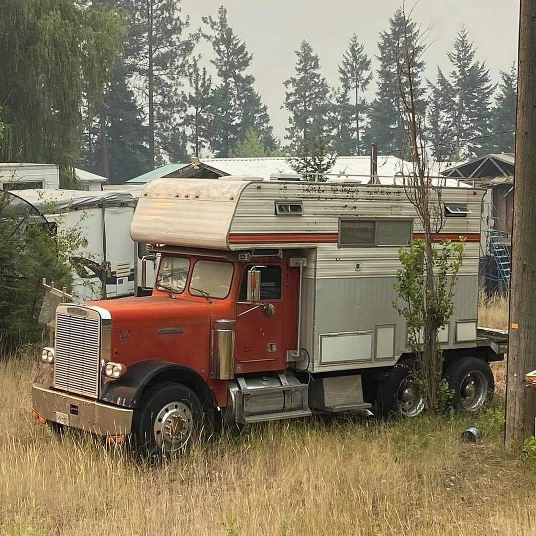 Freightliner-camper