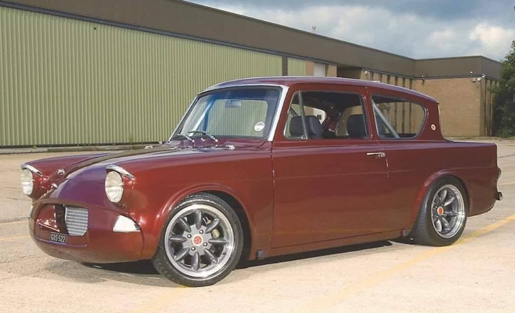 Ford-Anglia-(1)