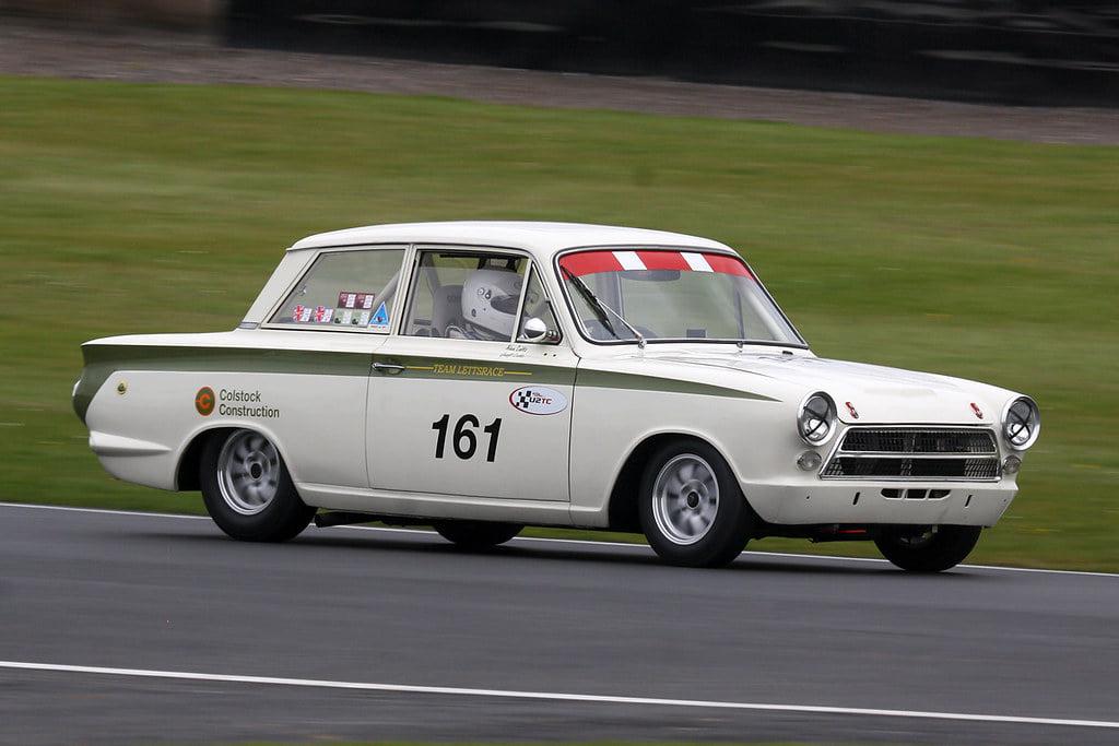 Ford-Cortina-Lotus-racing
