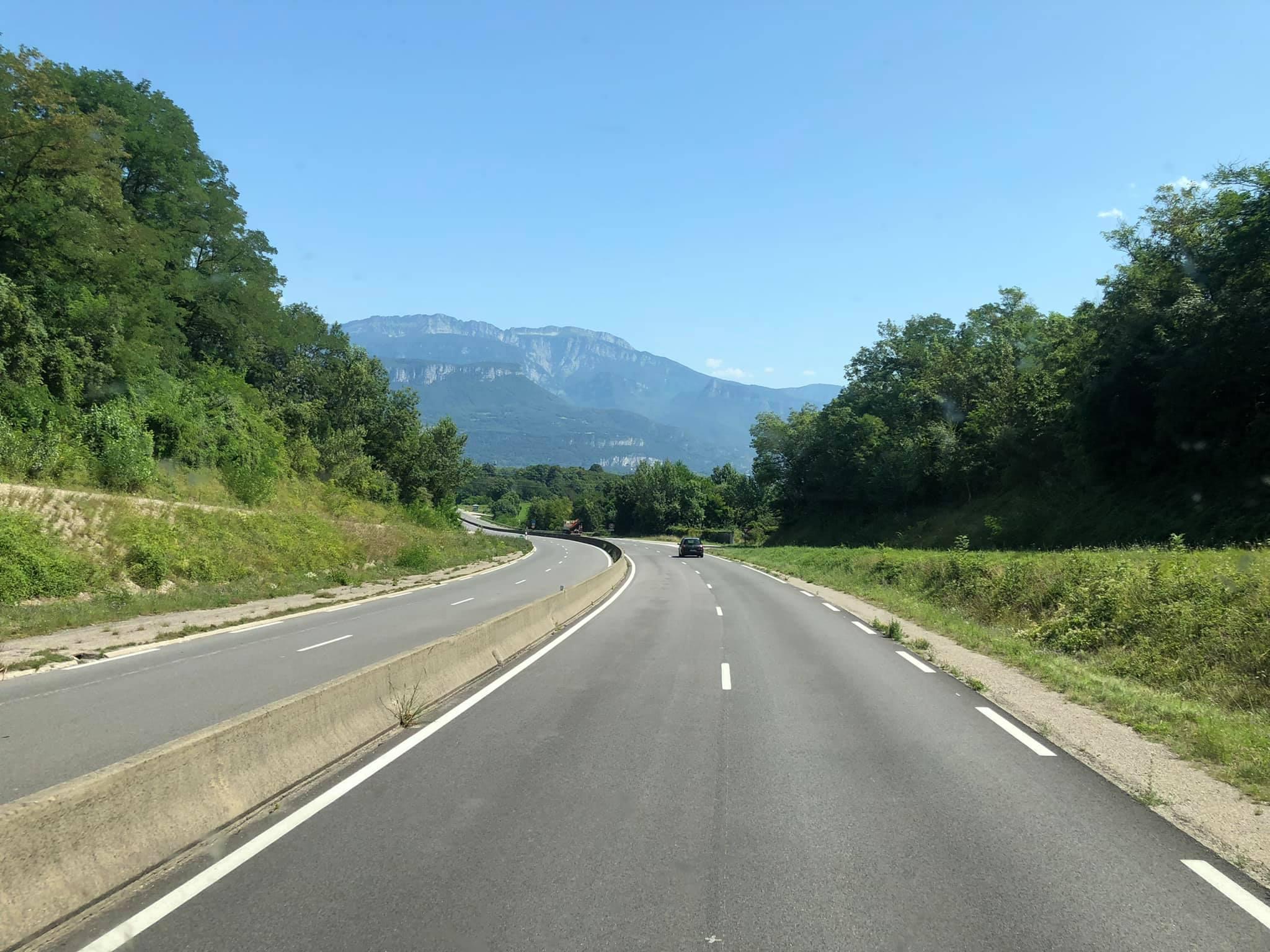 Lyon-Grenoble-lossen-Mantmelian-laden--(2)