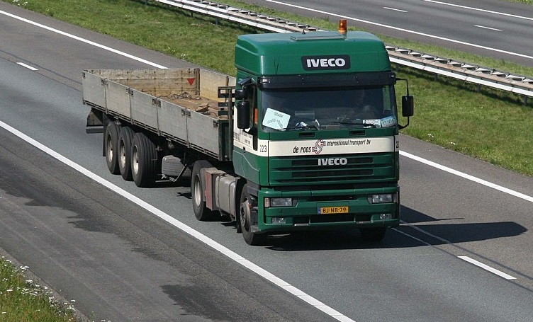 Iveco-223--BJ-NB-79