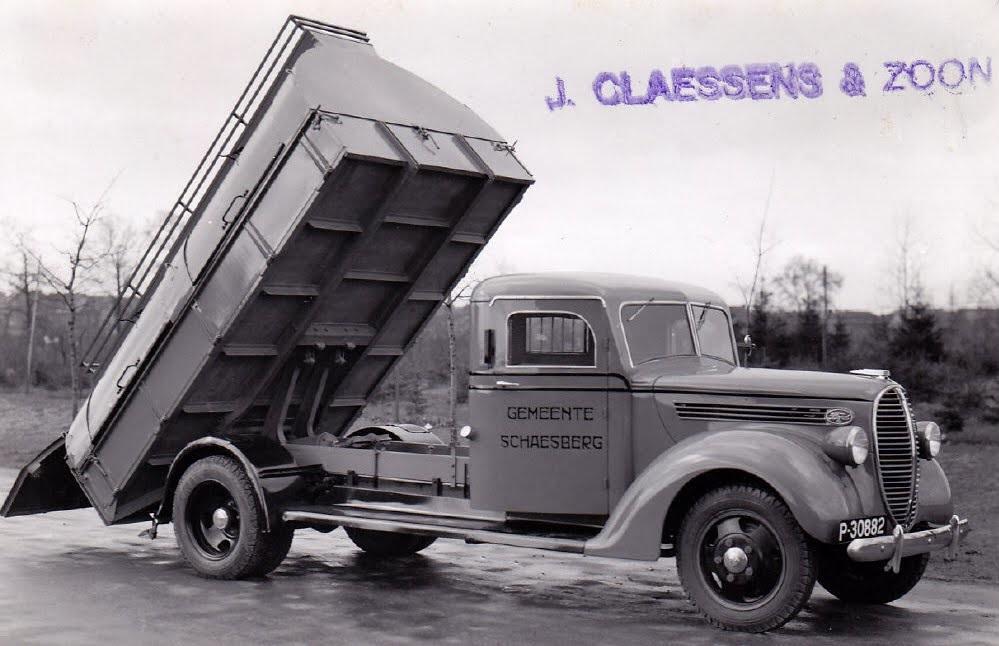 Ford--nog-onder-de-naam-van-de-eigenaar-dit-werd-BUCA--Buchten-Claessens