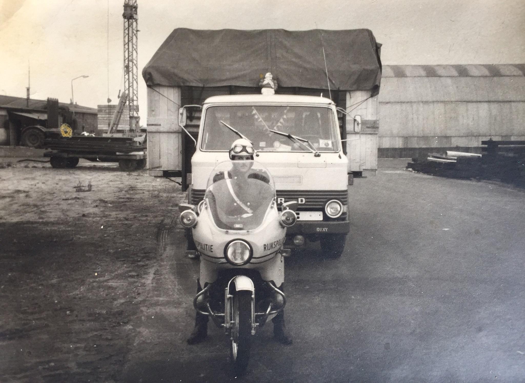 Ford-breedte-transport-voor-Stork