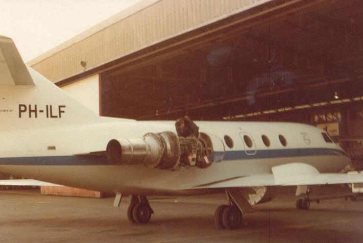 Harry-Claassen---Vliegtuigmotor-naar-Milaan-gebracht-voor-Philips--kapotte-motor-mee-retour-(3)