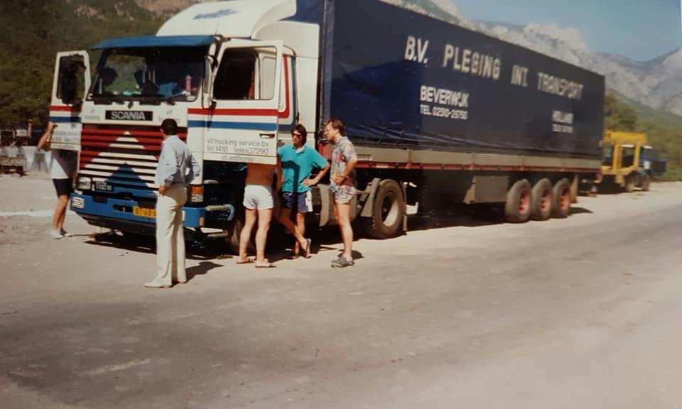 Jos-Janssen---1989-Antalya-Turkije-race-auto-s-lossen