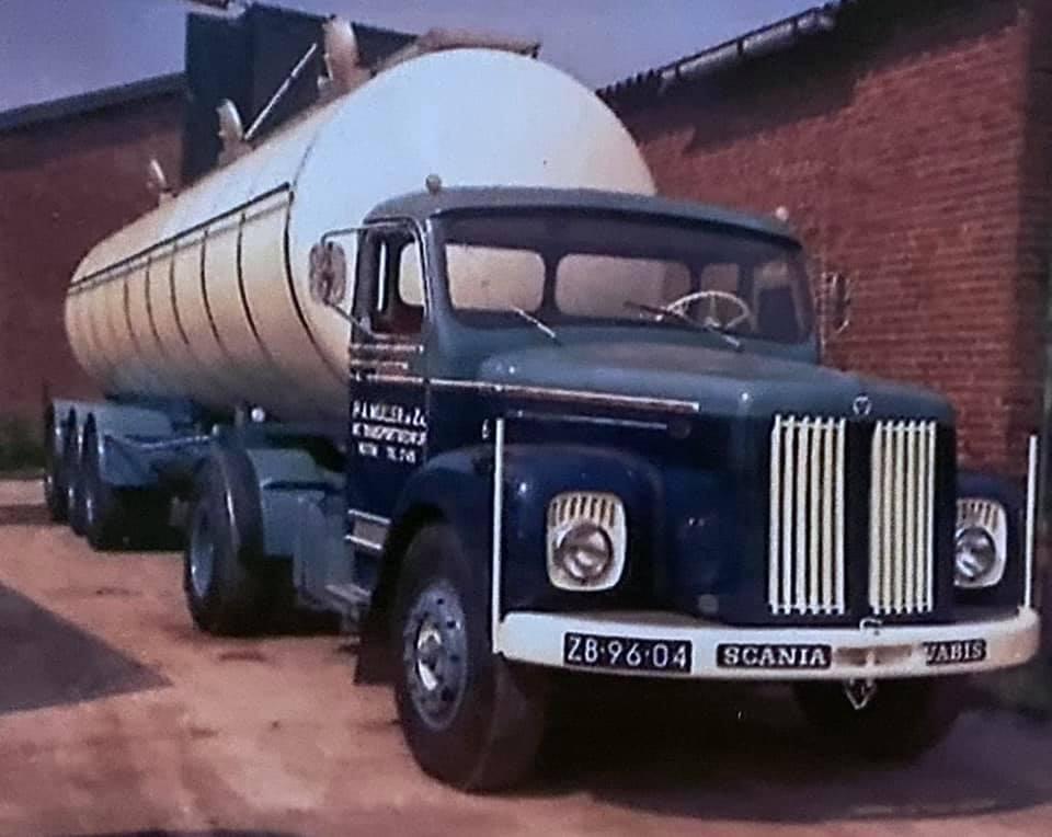 Anton-Muller---1969-Melkfabriek-centrum-Holten