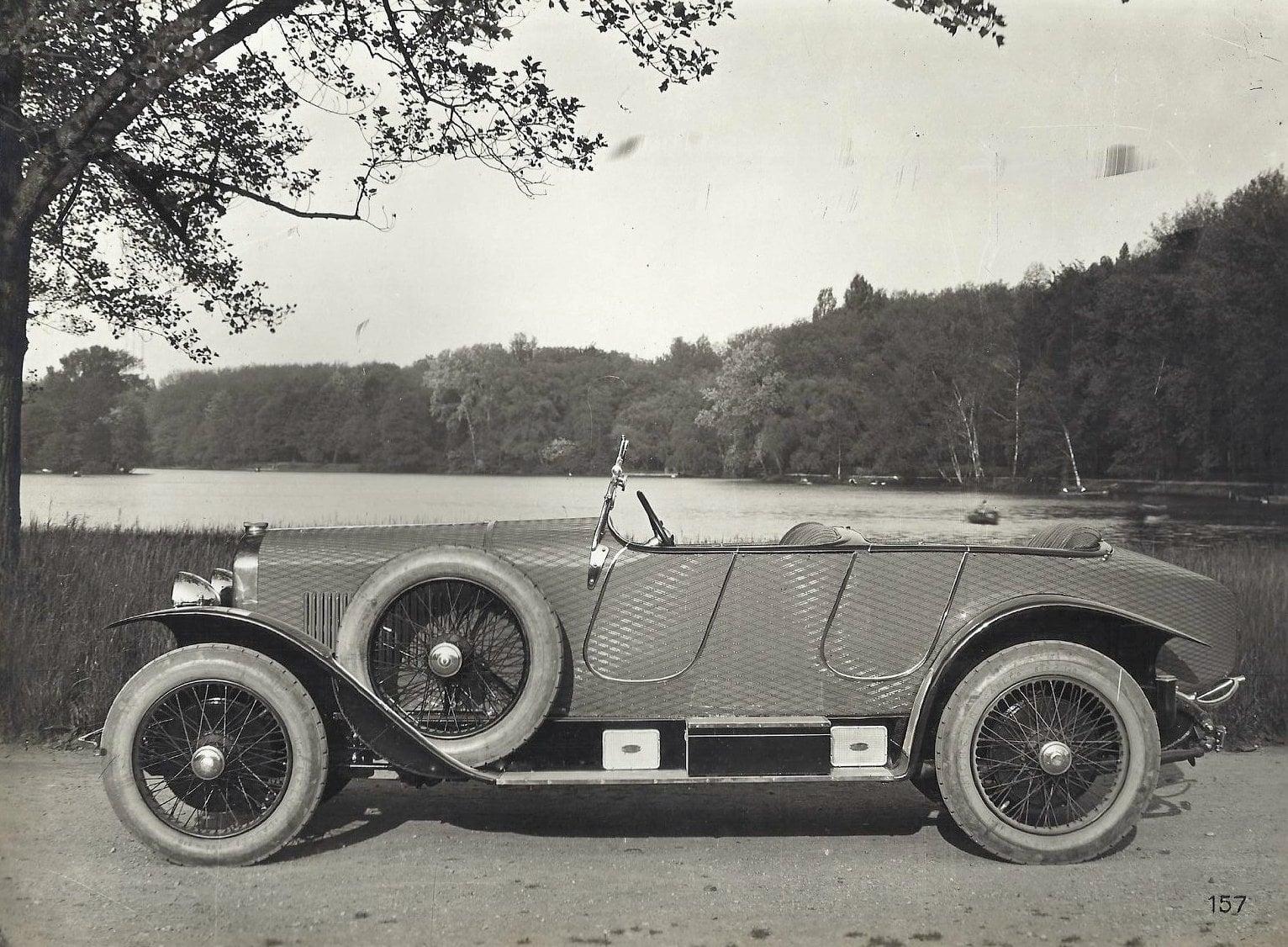 Peugeot--176-car--De-Faurax-Chaussende-Lyon
