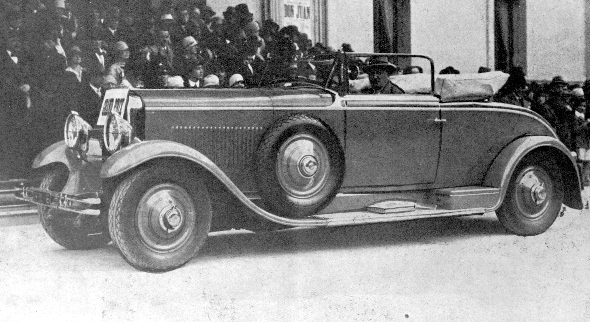 Peugeot-n-54-Cabriolet-Duvivier-de-M-Artault-Grand-Prix-Maart-1928