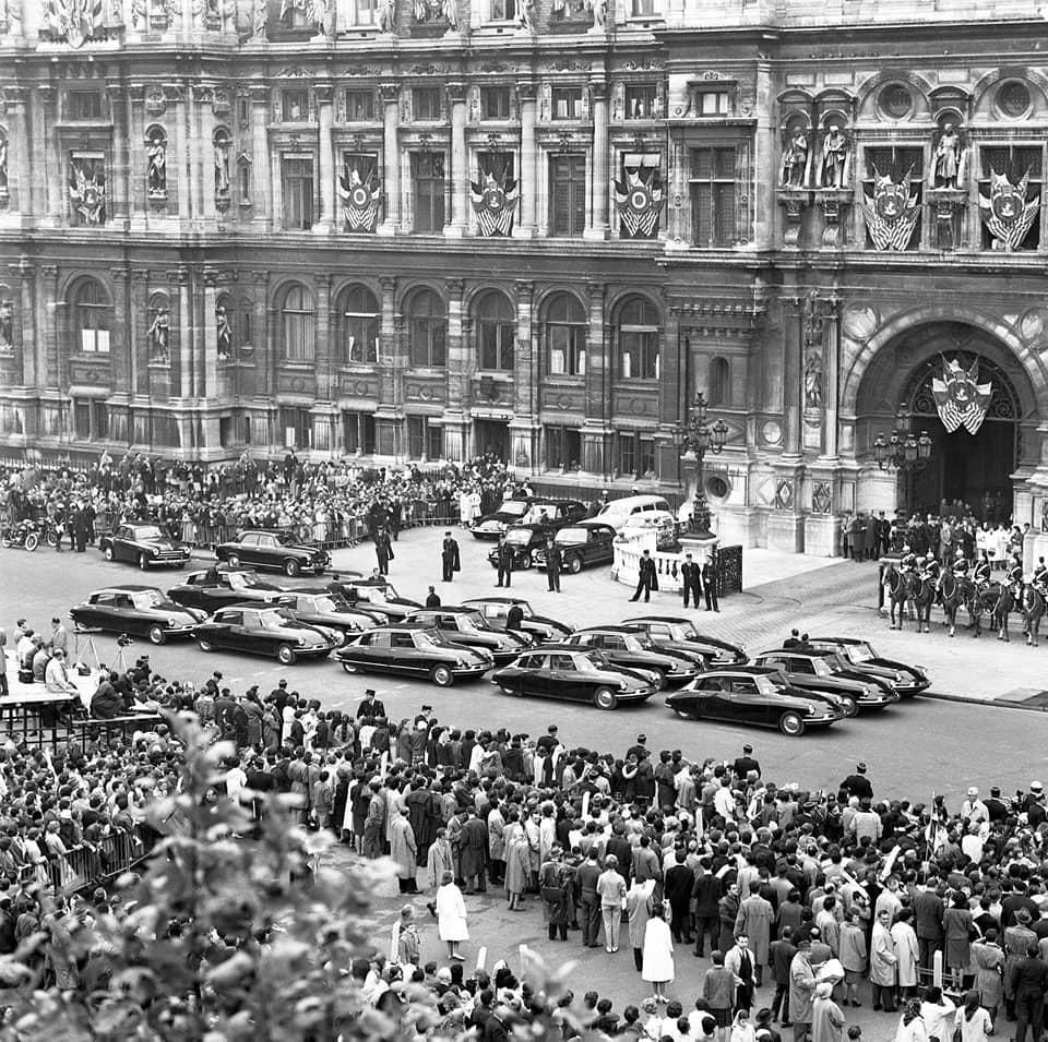De-Gaulle-zijn-lievelings-Citroen-DS-19-die-hij-kocht-bij-een-dealer-maar-werd-aangepast-(3)