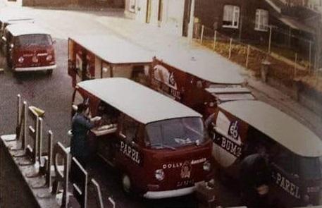 Hub-Smeets-en-Gerrit-Kuypers-bij-het-inladen-van-de-wagens-1972