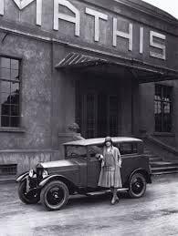 Mathis-voor-de-fabriek