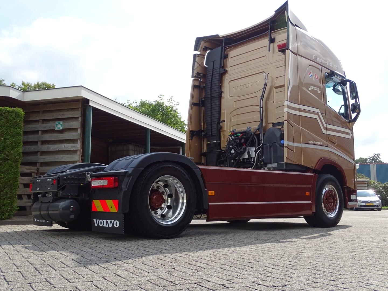 Peter-en-Elout-hun-nieuwe-Volvo--6-9-2021-(1)