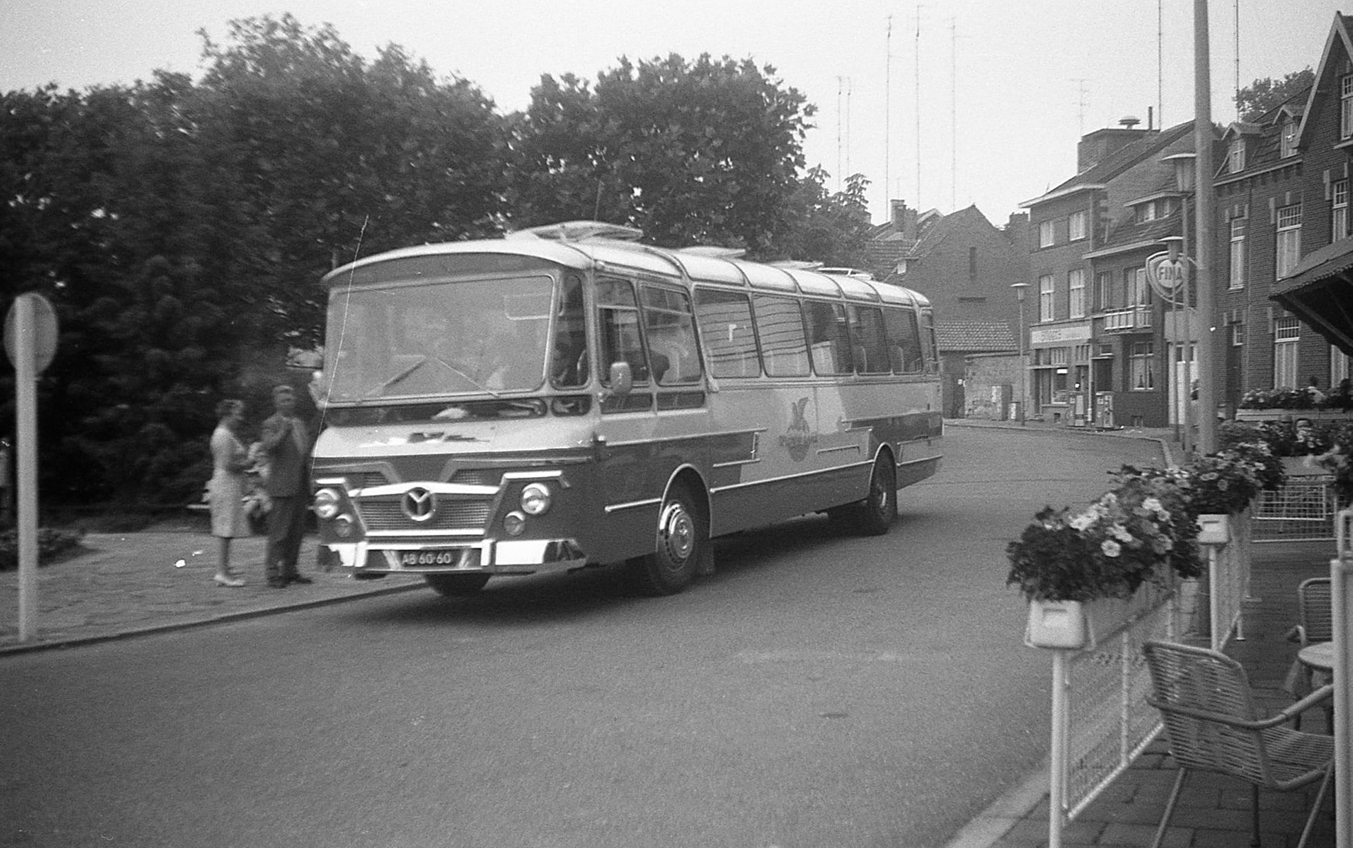 Valkenburg-Mercedes--AB-60-60