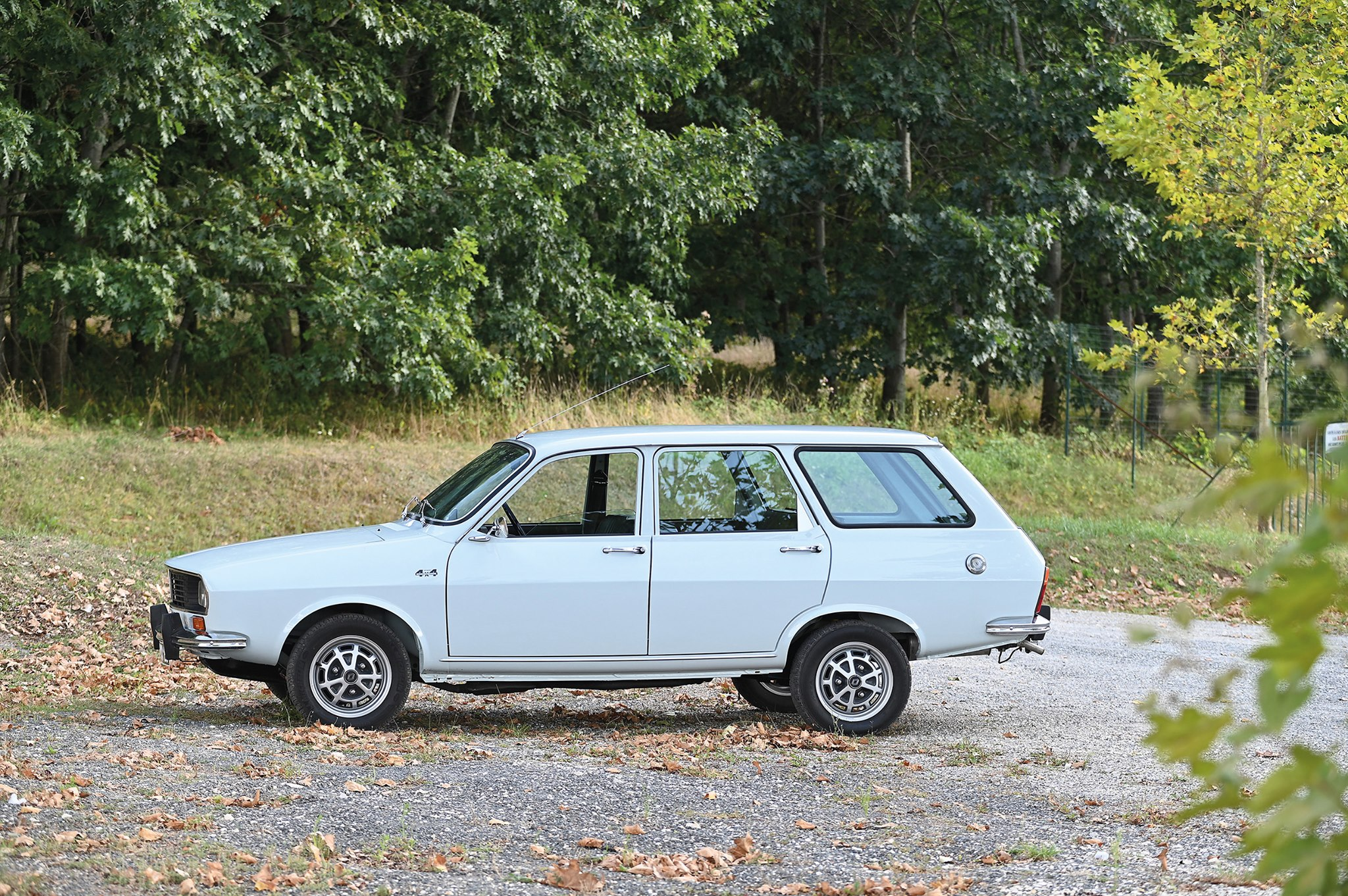 Renault-12-4x4-Sinpar-(1)