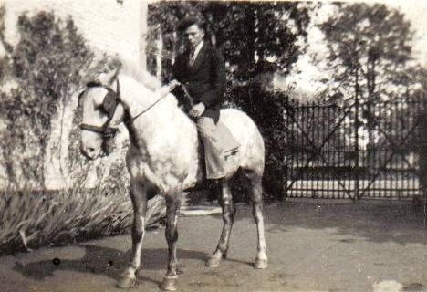 Gerard-Lambrechts--met-het-witte-paard