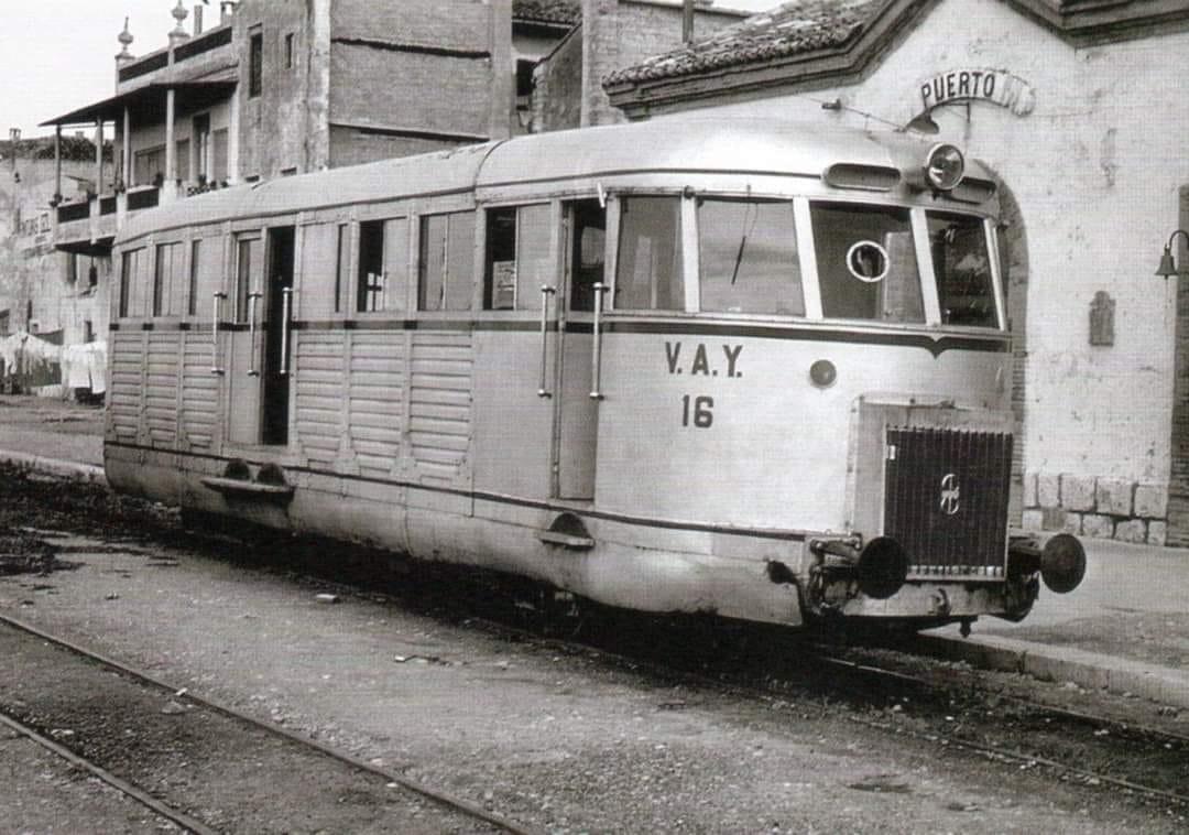 Een-spoorwegmotor-die-van-Alcoy-naar-Gandia-ging-Motor-Barreiros