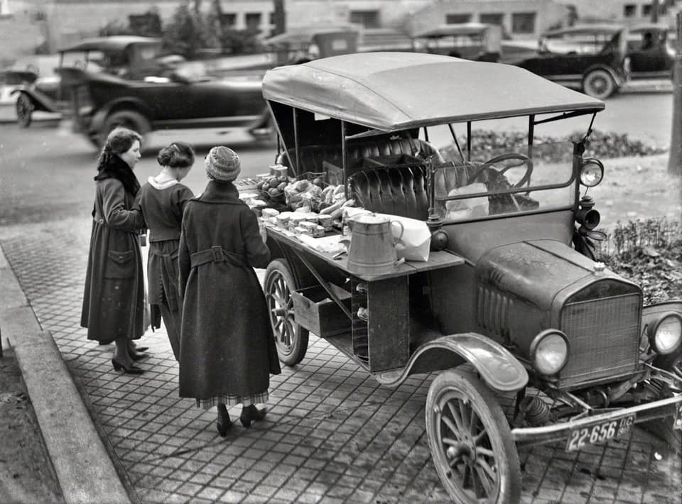 Ford-T-1918-Sandwich-shop-Washington