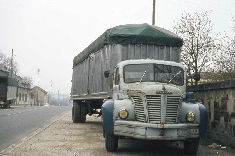 Berliet-TLR10b-homologue-a-32-tonnes