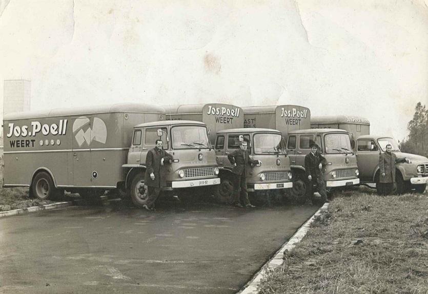 Chauffeur-Jan-Bellekom-R-I-P-rechts-met-Bedford-archief-zoon-Ortwin