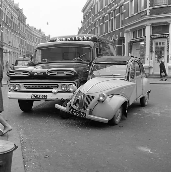 Chevrolet-had-geen-tijd-de-veren-vlogen-rond
