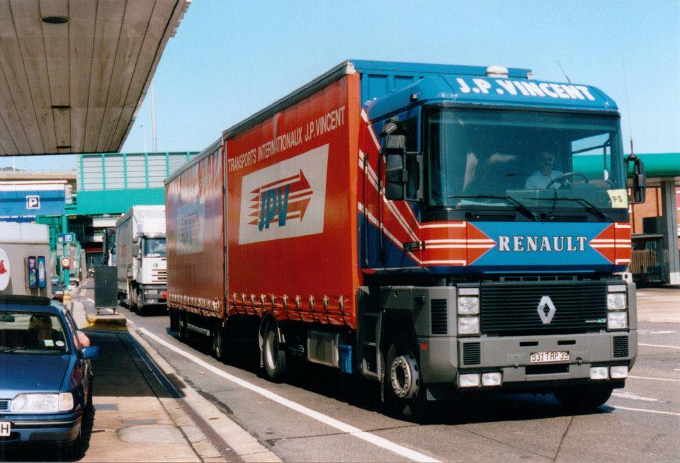 Renault-Magunum-in-UK
