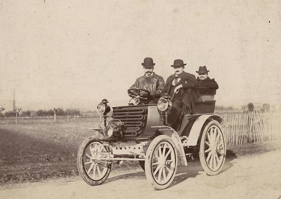 1903-essais-voitur-sur-route-autour-de-Lyon