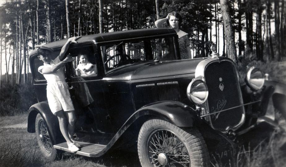 1930-Luc-Court-H4S21-Limousine