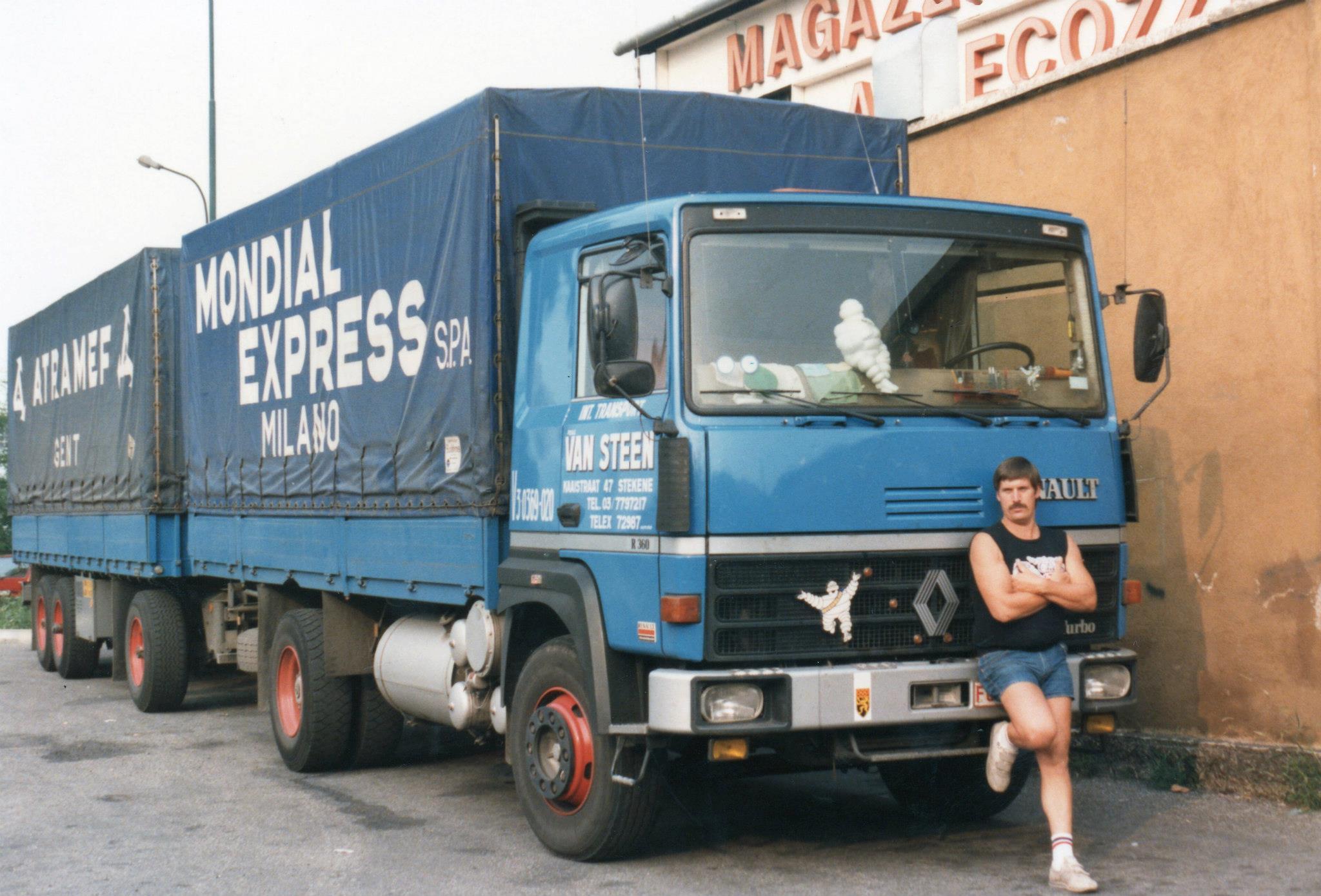 Freddy-Debucke-1983-R360-laatste-V8-met-eerste-beschildering-Mondial-Express-Milano