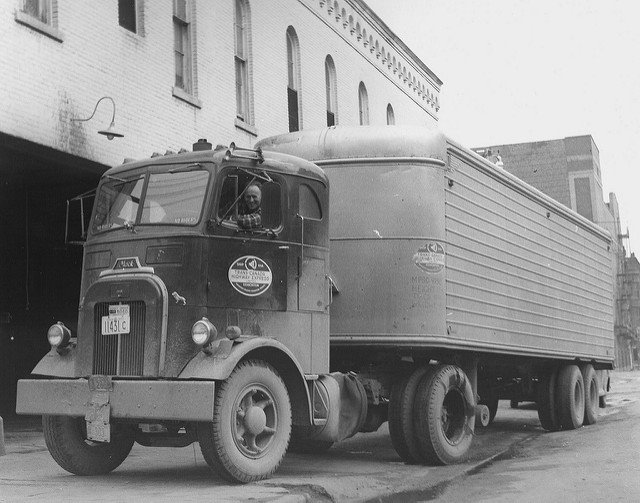 Mack_truck-2