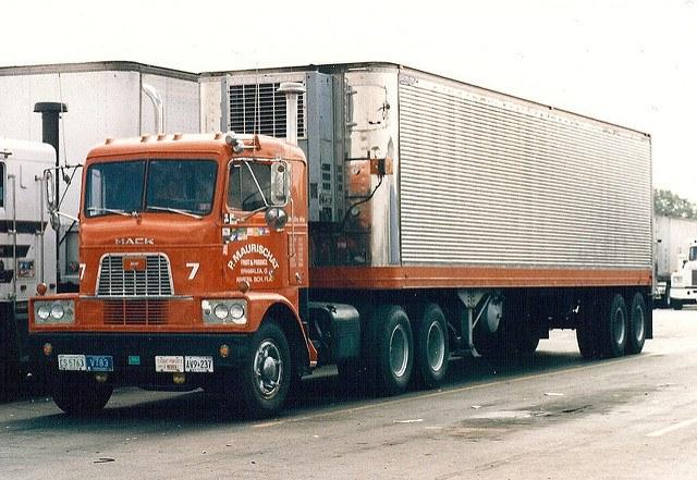 Mack_truck-3