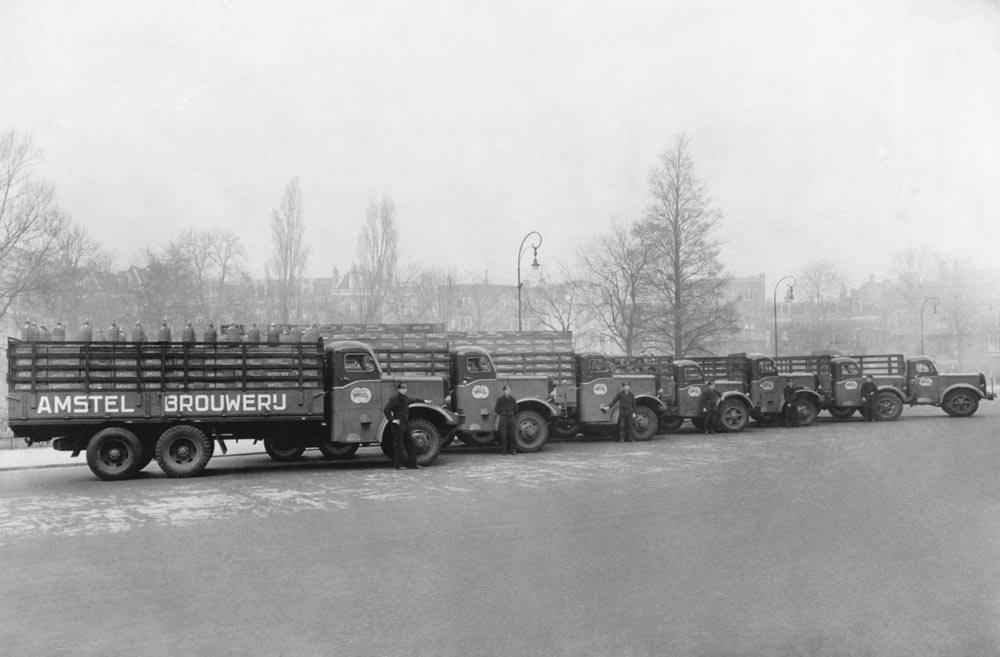 Amstel-_1950_Mack_Hogra-trucks