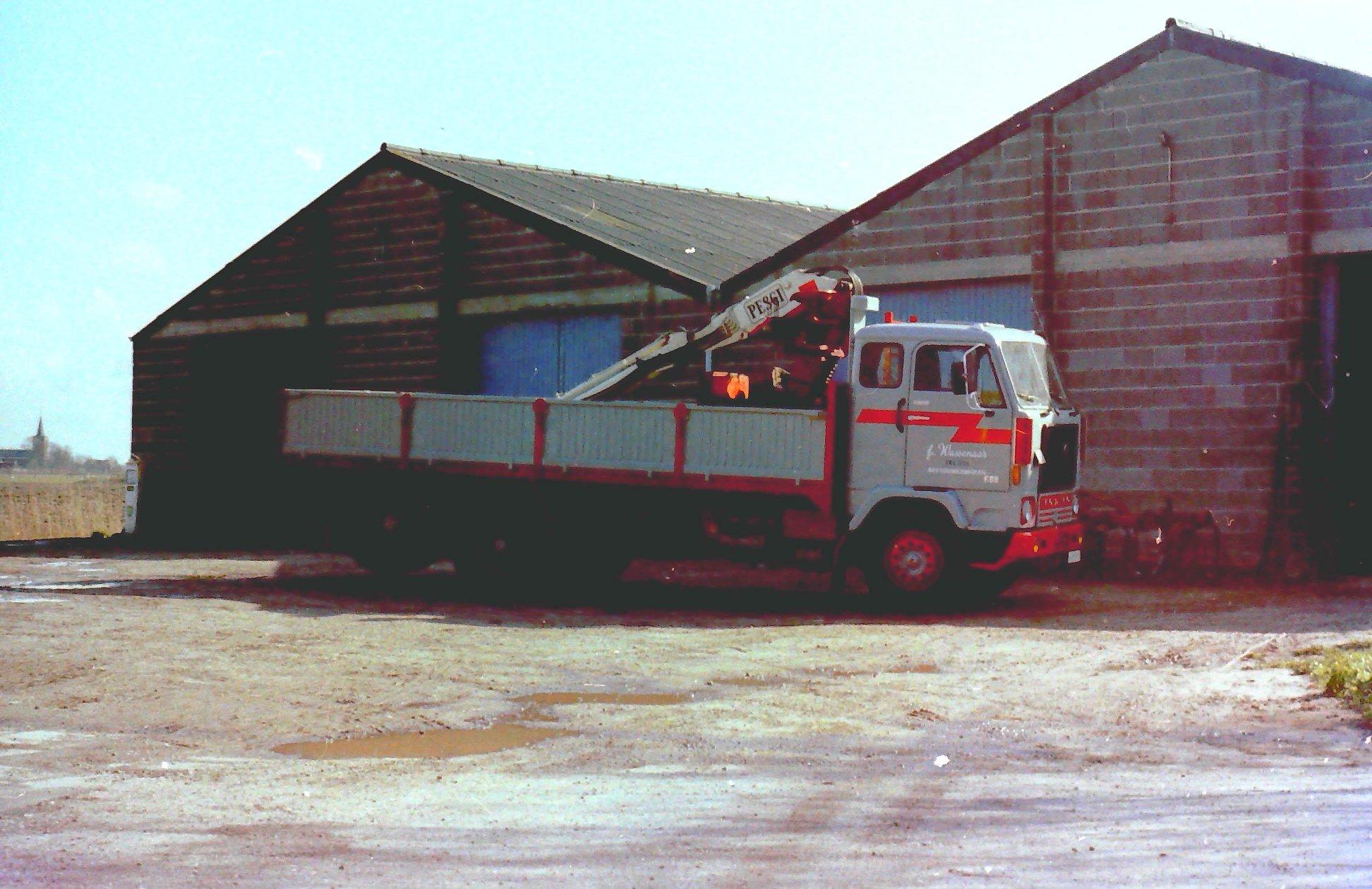 2-vrachtautos-van-Wassenaar-in-Beetgumermolen-gemaakt-voor-de-oude-loods-in-Beetgumermolen--fotos-door-mij-gemaakt-Lolle-3