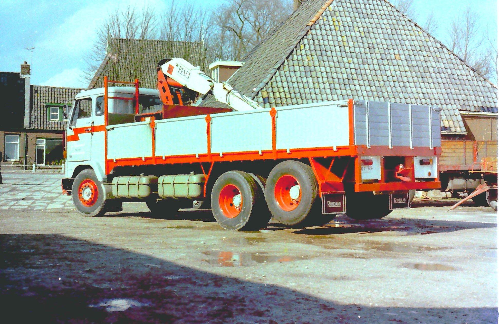 2-vrachtautos-van-Wassenaar-in-Beetgumermolen-gemaakt-voor-de-oude-loods-in-Beetgumermolen--fotos-door-mij-gemaakt-Lolle-5