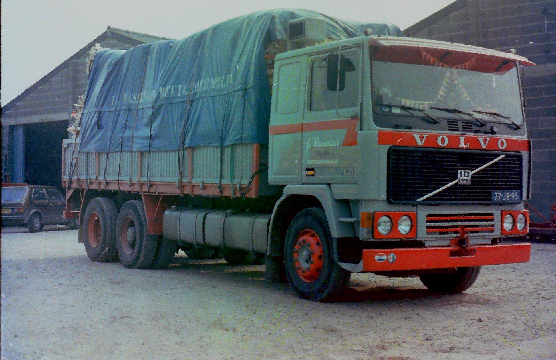 2-vrachtautos-van-Wassenaar-in-Beetgumermolen-gemaakt-voor-de-oude-loods-in-Beetgumermolen--fotos-door-mij-gemaakt-Lolle-8