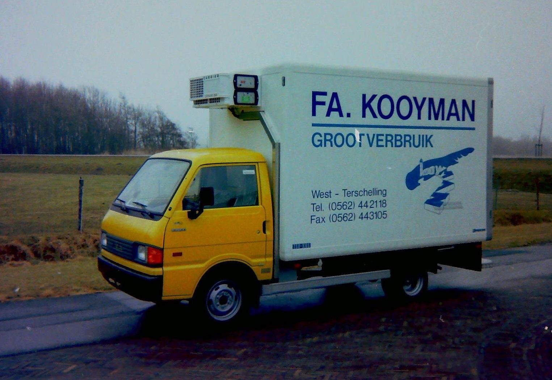 Auto-van-FA-Kooyman-van-West-Terschelling-gebouwd-door-Rondaan-Carrosserie-en-Wagenbouw-1