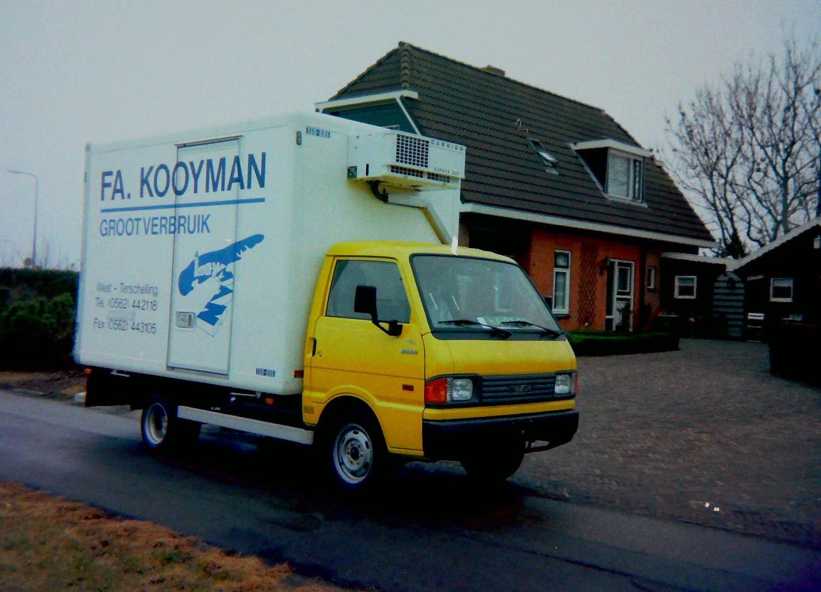 Auto-van-FA-Kooyman-van-West-Terschelling-gebouwd-door-Rondaan-Carrosserie-en-Wagenbouw-3