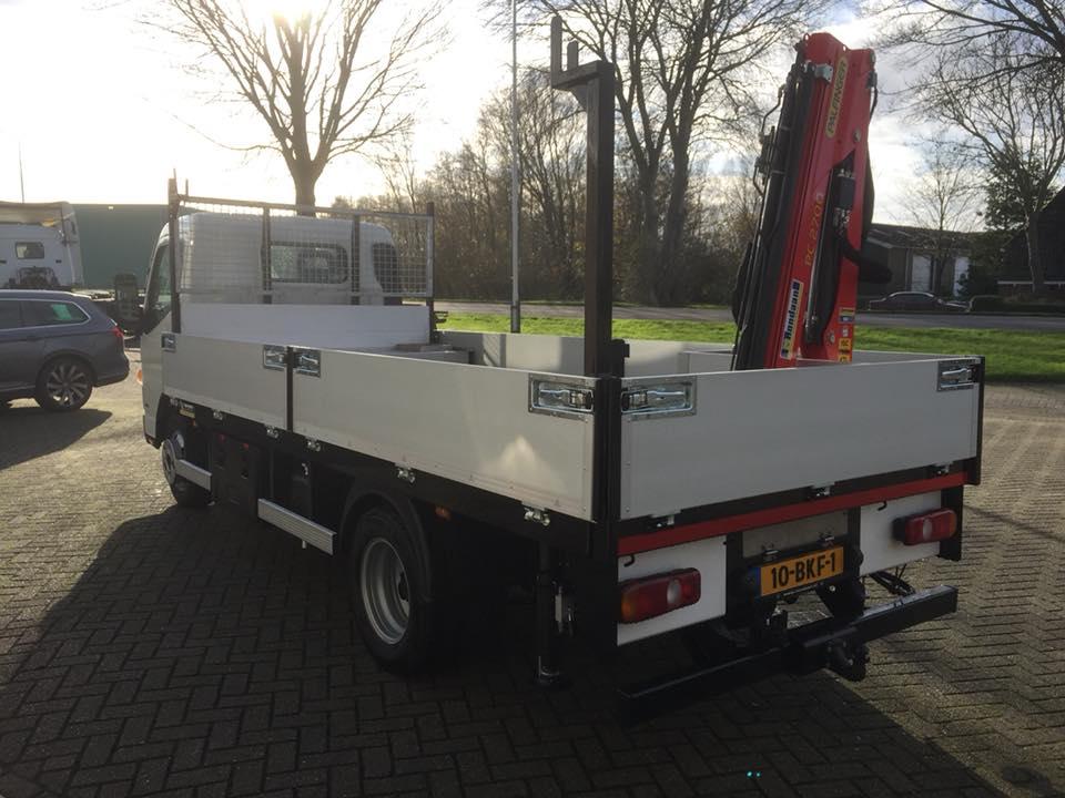 Fuso-Canter-met-palfinger-PC2700--Hutting-Natuursteen-uit-Leeuwarden-2