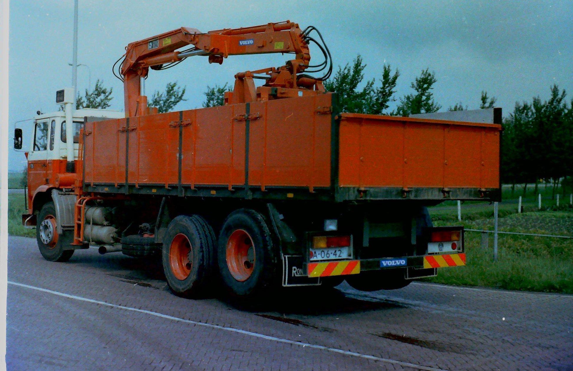 Deze-auto-is-door-Rondaan-opgebouwd-volgens-mij-voor-Geertsma-uit-Baard-3