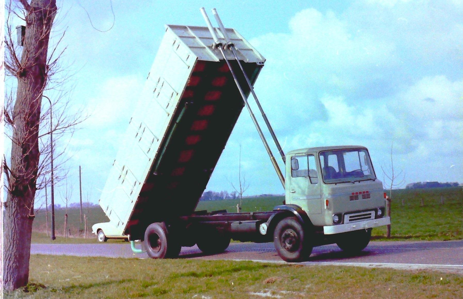 Deze-bulkauto-is-gebouwd-door-Rondaan-3