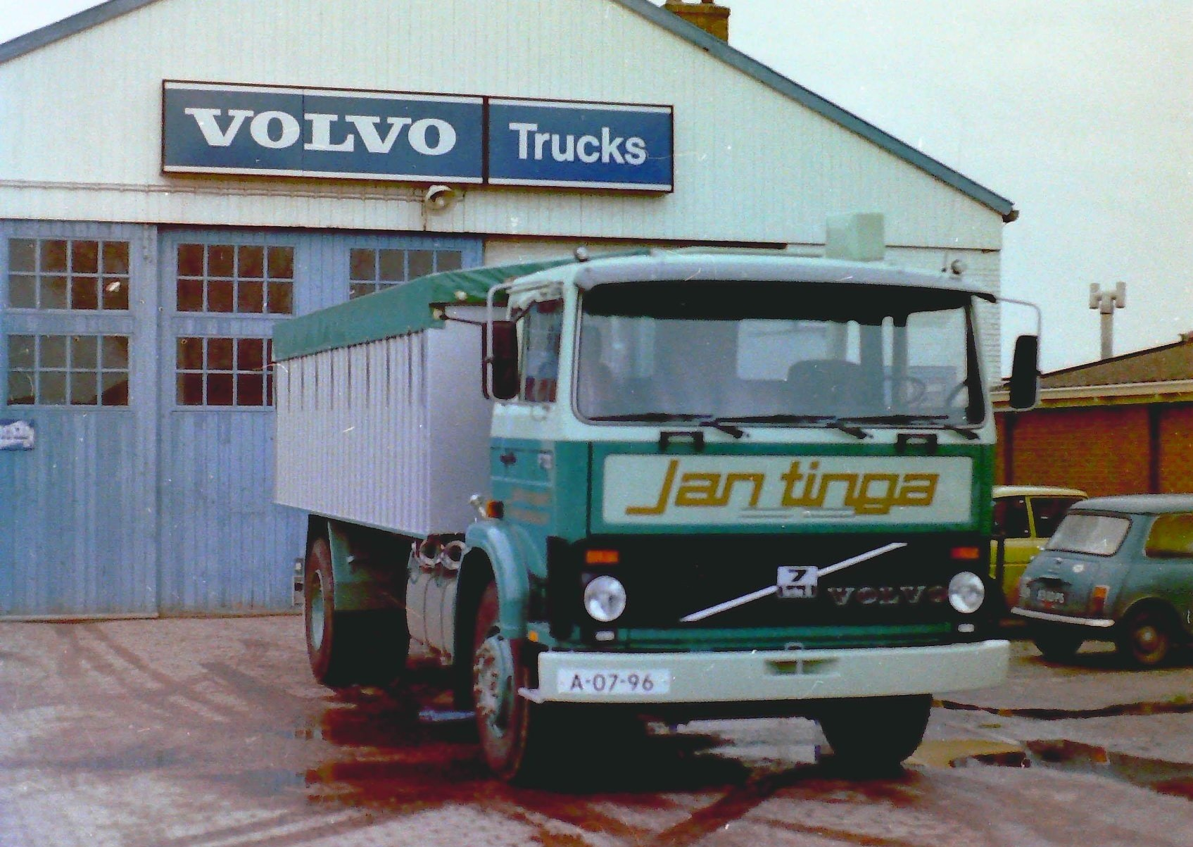 Deze-bulkauto-is-gebouwd-door-Rondaan-voor-JanTinga-1