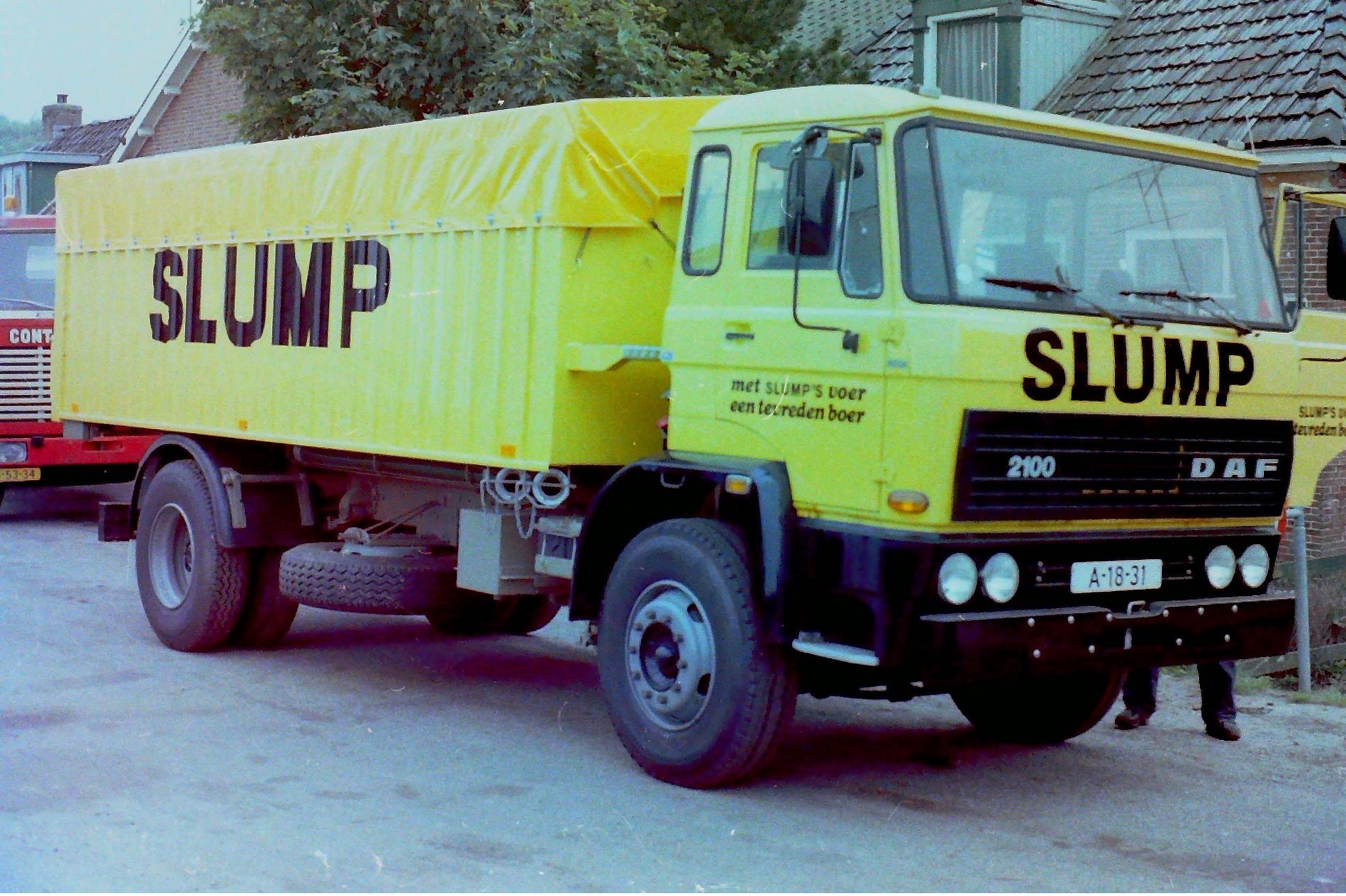 Deze-bulkauto-is-gebouwd-door-Rondaan-voor-veevoederfabriek-Slump-in-Stroobos-2