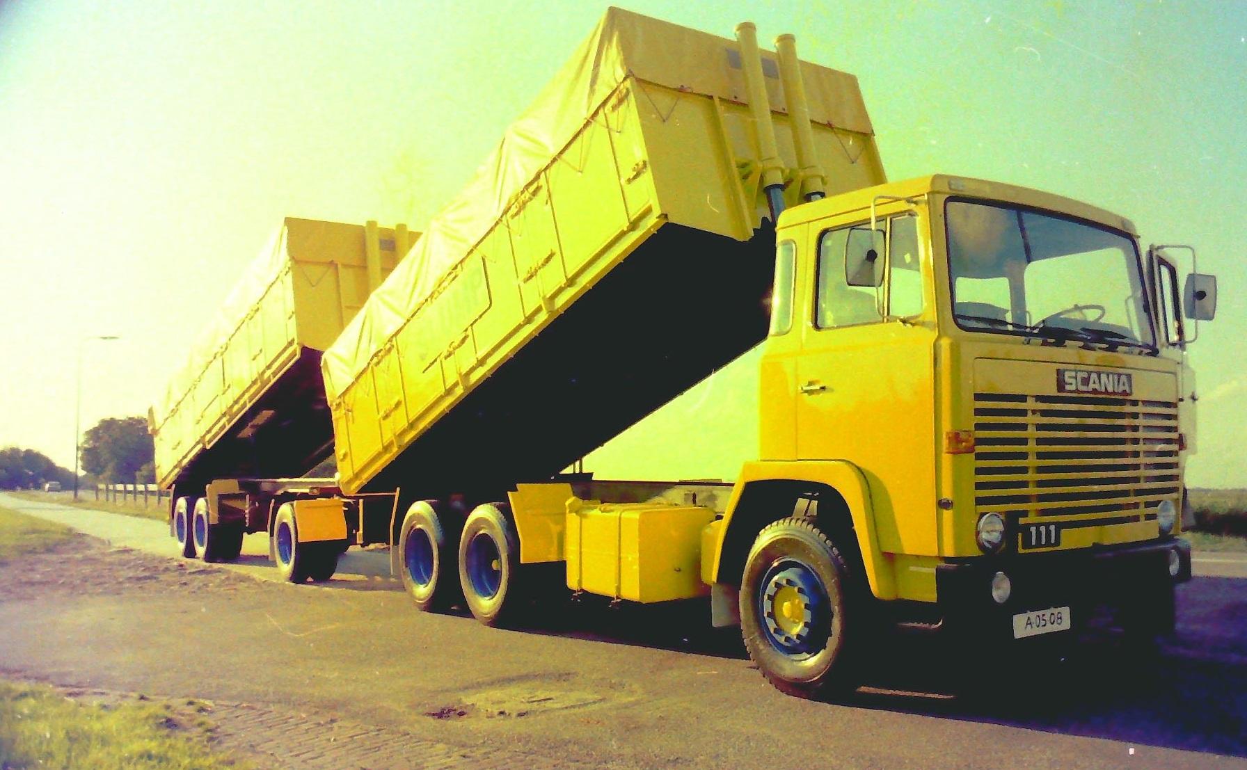 Deze-combinatie-is-gebouwd-door-Rondaan-en-die-reed-ook-voor-Slump-veevoederfabriek-in-Stroobos-4