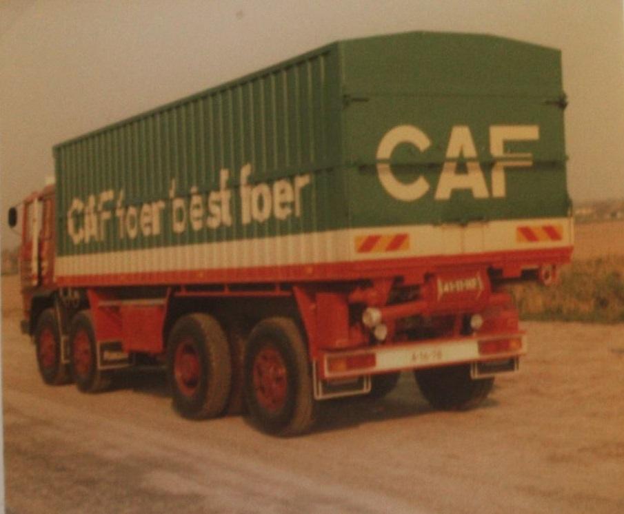 Pegaso-bulkwagen-is-gebouwd-door-Rondaan-voor-Kees-Kinderman-uit-Oenkerk-2