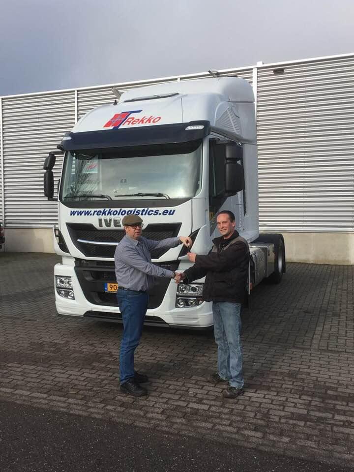 Vandaag-heeft-Rekko-Logistiek-uit-Eijsden-de-1e-Iveco-Stralis-in-gebruik-genomen-30-1-2018