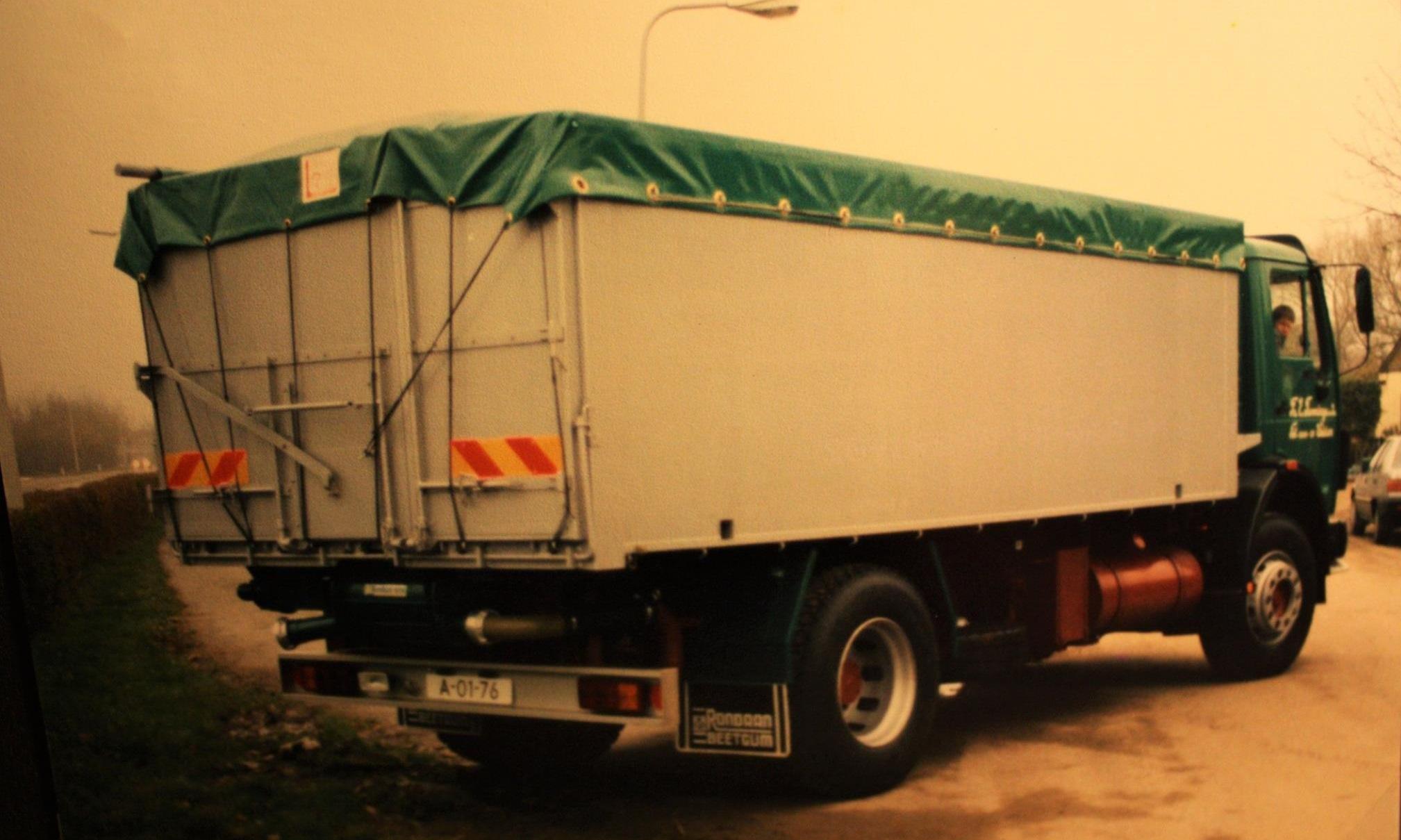 bulkauto-door-Rondaan-gebouwd-voor-Fa--E--Tamminga-en-Zn-uit-Weidum-2